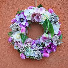 Dekorácie - Jarný veniec na dvere s tulipánikmi a suchými hortenziami - 6484723_