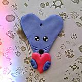Náhrdelníky - Prívesok zvieratko so srdiečkom (zamilovaná myška) - 6487305_