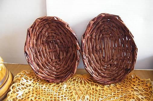 Mahagónové vajíčkové minipodnosy