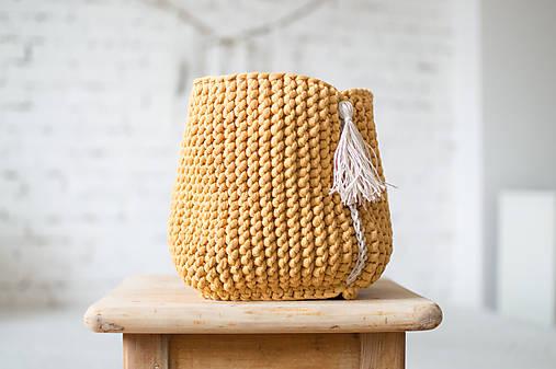 Pletený košík so strapcom v horčicovej farbe   DeDe-Jadupka - SAShE ... d376a22210