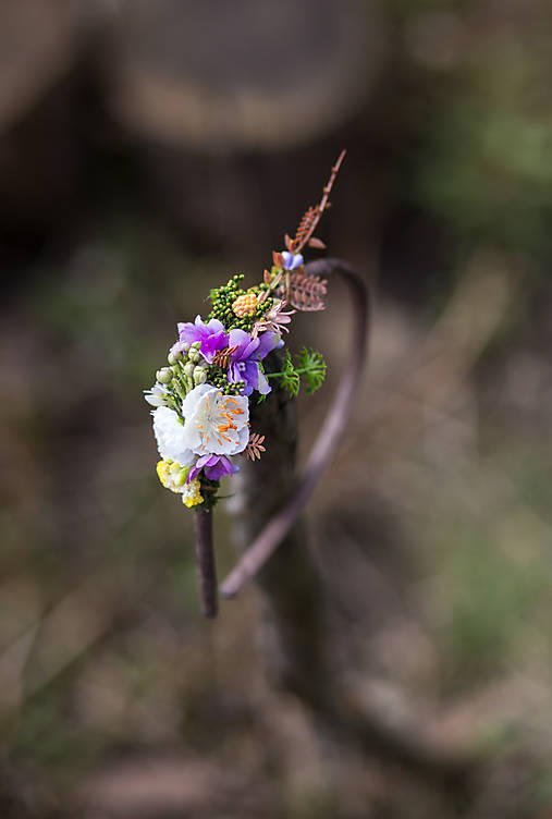 """Kvetinová čelenka """"fialky v tráve"""""""
