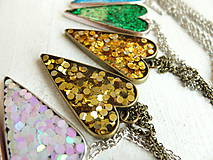 Náhrdelníky - Živicový náhrdelník srdce podľa vlastného výberu - 6509392_
