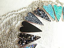 Náhrdelníky - Živicový náhrdelník srdce podľa vlastného výberu - 6509394_