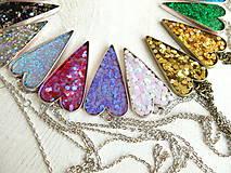 Náhrdelníky - Živicový náhrdelník srdce podľa vlastného výberu - 6509396_