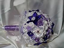 Dekorácie - Fialová kytica k sviatku - 6513339_