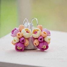 Náušnice - Pastelové kvety - zatvárateľné kvietkové náušnice - 6512774_