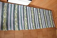 - Zelený pásikavý tkaný koberec - 6509966_