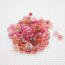 Minerály - ružový turmalín, 3 x 2 mm - 6521903_
