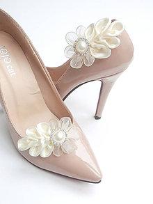 Obuv - Maslovky so štrasom a perleťou - klipy na topánky - 6519329_
