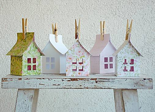 Papierové domčeky