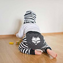 Detské oblečenie - Tepláky (čierne pruhovano-bodkované) - 6530604_