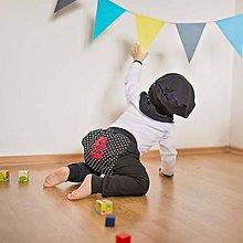 Detské oblečenie - Detské tepláky (čierne s bodkou) - 6530770_