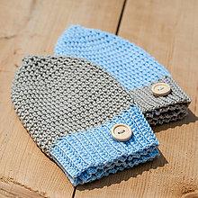 Detské čiapky - Belaso-pieskové chlapčenské čiapky s gombíkom - 6538134_
