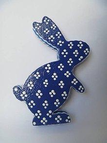Dekorácie - Zajačik z modrotlače - 6538626_