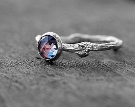Prstene - Vetvičkový prsteň strieborný s alexandritom - 6547694_