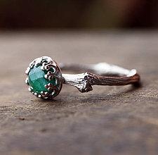 Prstene - Vetvičkový prsteň strieborný so smaragdom - 6547833_