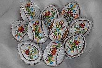 Dekorácie - Velkonočne medovnikove vajíčko s folklornym motivom - 6557169_