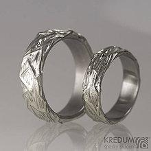 Prstene - Gordik III - motaná nerezová svadobná obrúčka se stříbrem - 6563141_