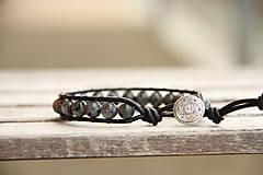 Šperky - Pánsky kožený náramok larvikit - 6564734_