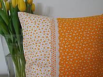 Úžitkový textil - vankúš so širokou krajkou - 6576858_