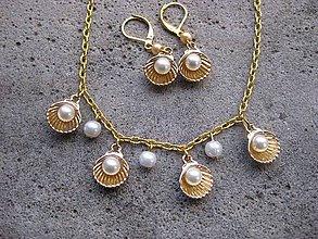 Sady šperkov - mušličky s perlou - sada (Dĺžka náušnice aj s háčikom je 3,5 cm, dĺžka retiazky je 57 cm ( dá sa upraviť) - Zlatá. č1514) - 6576956_