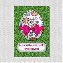 Papiernictvo - Realistic veľkonočná pohľadnica - veľkonočné vajíčko v tráve - 6578354_