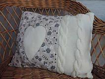 Úžitkový textil - Romantický bavlnený vankúš s pleteninou - 6581409_