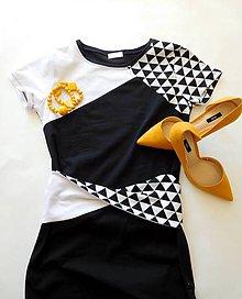 Šaty - Midi šaty s opaskom - 6590646_