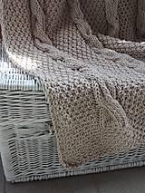 Úžitkový textil - Pletená deka s osmičkovým vzorom - 6590123_