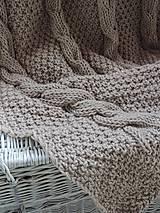 Úžitkový textil - Pletená deka s osmičkovým vzorom - 6590146_