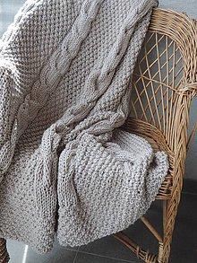 Úžitkový textil - Pletená deka s osmičkovým vzorom - 6590135_