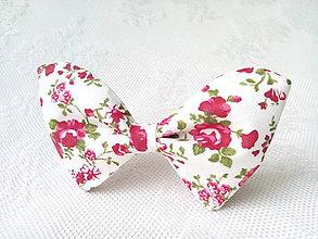 Náhrdelníky - Romantický vintage dámsky motýlik - 6599660_