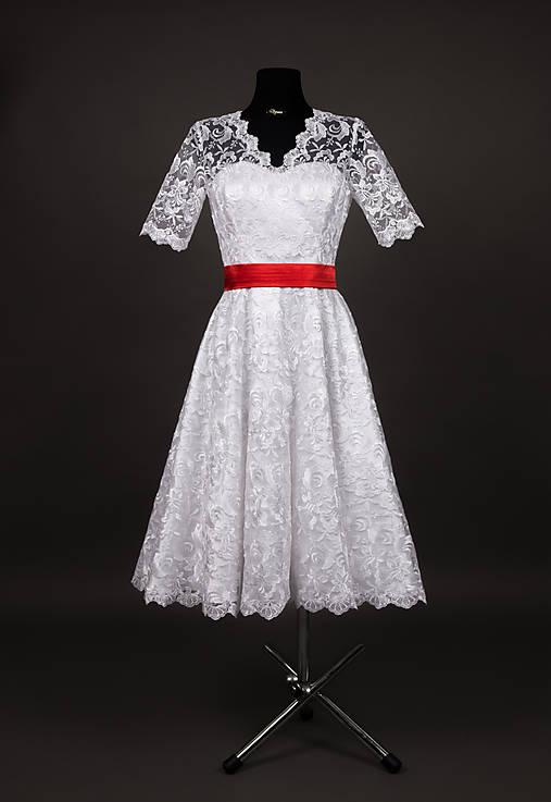 Svadobné šaty vo vintage štýle z tylovej krajky   Dyona - SAShE.sk ... 02c3cee407e
