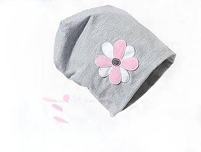 Detské čiapky - bavlnená čiapka sivá kvet - 6597585_