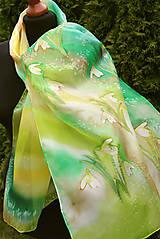 Šály - Maľovaný hodvábny šál so snežienkami... - 6598510_