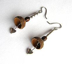 Náušnice - Čiapočkové zvončeky so srdiečkom - 6597742_