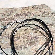 Náhrdelníky - Kožená šnúrka so strieborným zapínaním - 6621636_