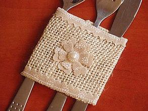 Úžitkový textil - Jutový držiak na príbor s kvetom - 6625815_