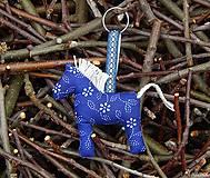 Prívesok - modrý koník