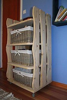 Nábytok - KOMODA DE LUXE KLASIK - zo smrekového masívu - 6649944_