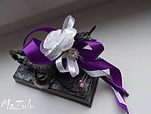 svadobné pierko fialovoBiele