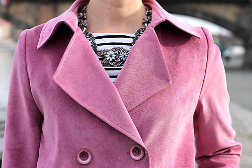 Krátky jarný kabát - ružový