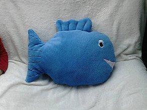 Úžitkový textil - Vankúš rybka modrý chlpatý - 6656420_