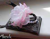 svadobný náramok  s kúskom ružovej