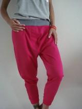 - HOT  pink - 6657403_