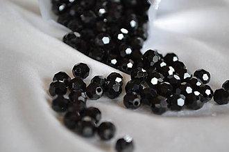 Korálky - Korálky sklenené brúsené čierne 6mm, 0.55€/10ks - 6660771_