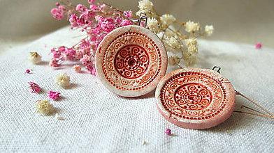 Náušnice - červené ornamenty - 6667045_