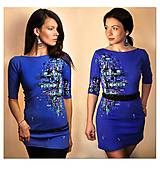 - Výrazné modré šaty / tričko s abstraktným motívom - Mexican Sky - 6667203_