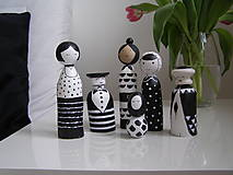 Rodinka čiernobielych - drevené figúrky