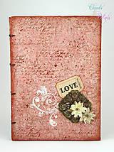 Vintage kniha hostí Love (staroružovo-hnedá)